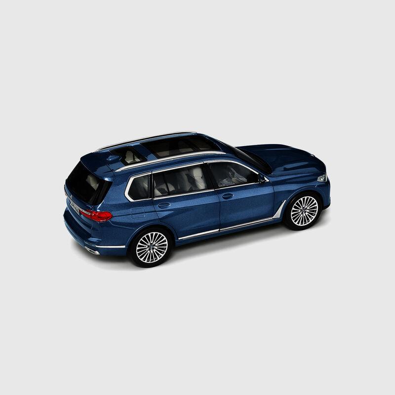 BMW MINIATURE X7 1:18 - hi-res
